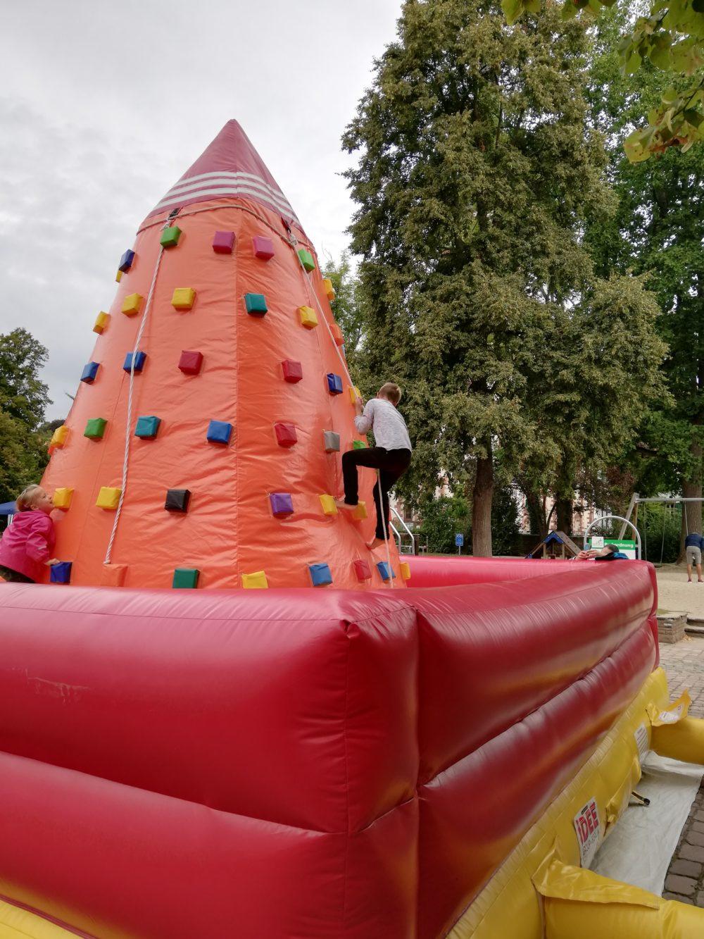 Kinderferienprogramm auf dem Schlossplatz am 07.09.2019